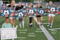 08_SeniorGirls_withSigns_withMichael